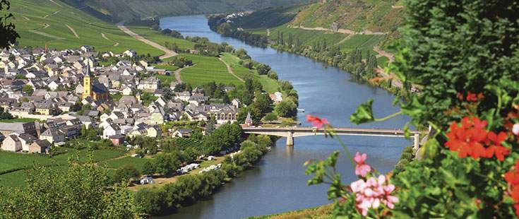 Moselle-River-&-Valley-300-Retouch_0.jpg