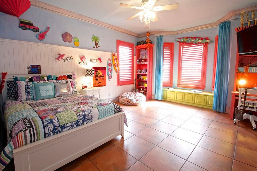 a4668__Beautiful-kids-bedroom-with-plenty-of-color.jpg